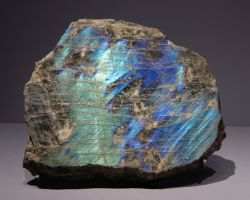 Gemstones And Their Meanings - Labradorite